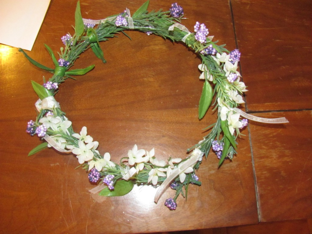 DIY flower hair-circlet top view